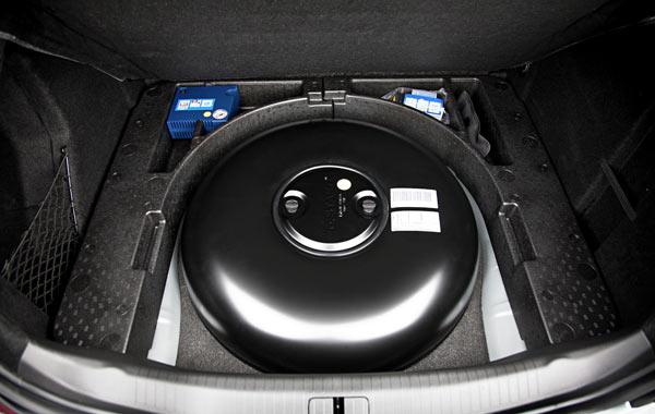 тороидальный баллон ГБО в багажнике